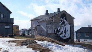 Veggmaleri på eldre hus. Foto: Siv Leden / NIKU